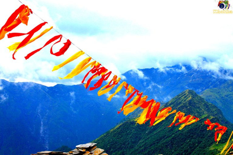 Chopta - Spreading color in air