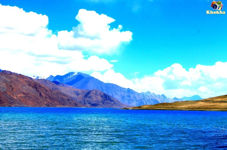 Pangyong Tso - colorful with heavenly touch